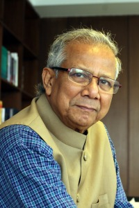 Prof Yunus_side view