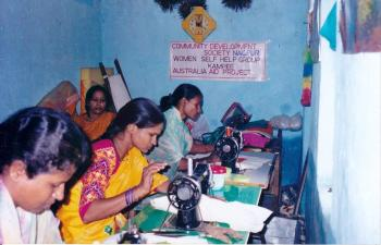 CDS provided vocational training to girls and women in slums and villages.