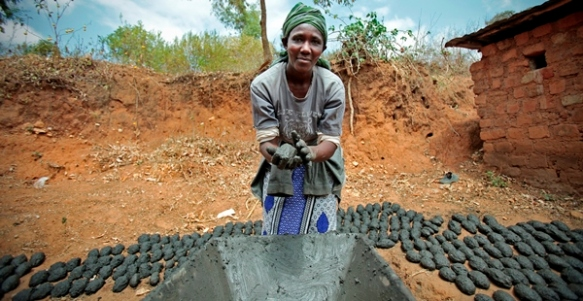 Martha Kimuyu Kinai, 68, started a woman's group when she was 18. She has 4 grandchildren and teaches her community how to make charcoal clay using wood charcoal and soil mixture. Martha is an example in Mumandu 15kms from Machakos near Nairobi, and has learned more business skills from Hand in Hand training.